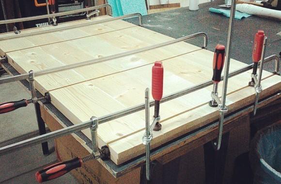 テーブル天板サンプルビスケットジョイントで接ぎ合わせ。