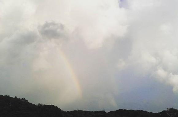 真正面に虹が…しかも二重お得感