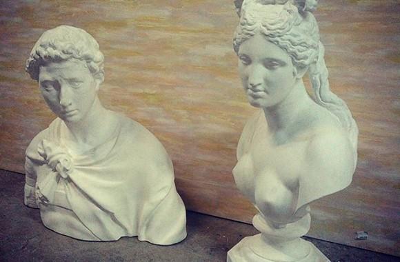 某所より石膏像を半永久的に預かりました。ちょうどシーズンだし美大予備校でも開くかね… で、この人達誰だっけ。。。受験でさんざん描いたのに解らん!