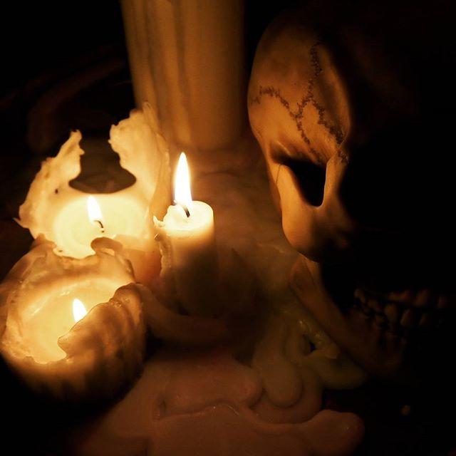 ゴスい#skull #art #bones #death #skullart #horror #goth #gothic #candle #candlenight #candles #relax