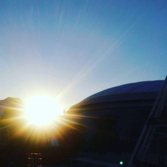 雲一つ無い夕暮れと納品チェック#sunset #tokyo #dome