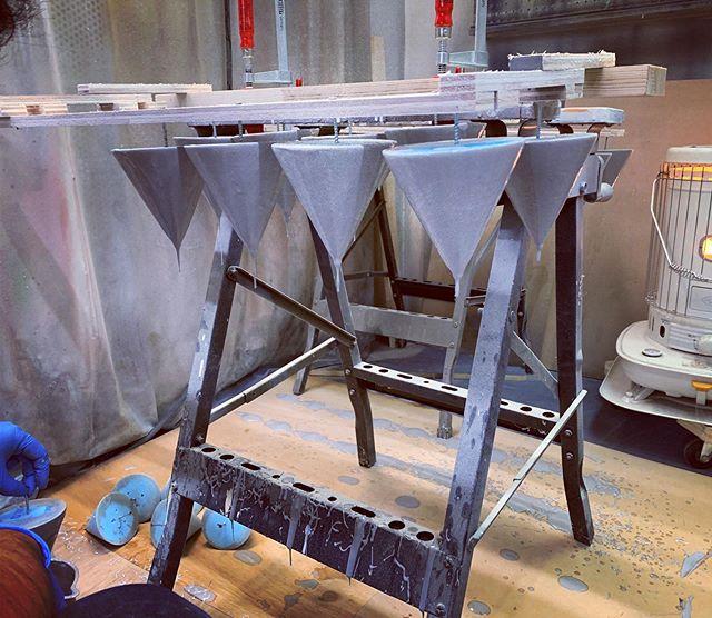 昨日の△の続き。樹脂にドブ漬け!陶芸家みたい。ジオニック社の下請けでザクのパーツ作ってるらしいです。うそです。