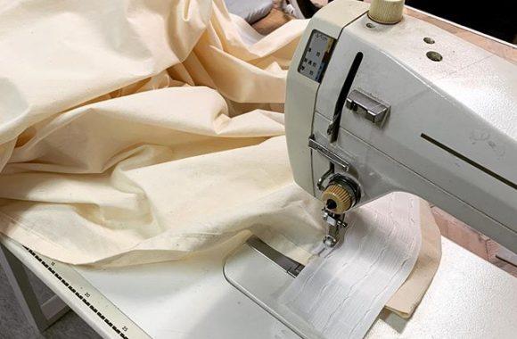 今日は一日中カーテンを縫ってた.