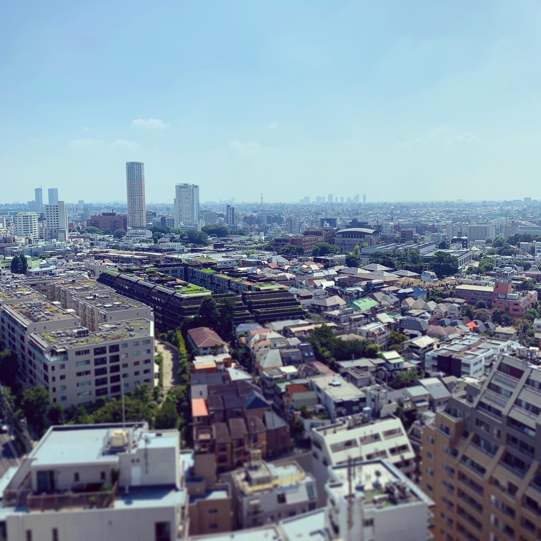猿楽町のあのマンション、いくらするんだろ….#tokyo #daikanyama