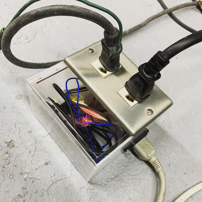 回路入り電源ボックス