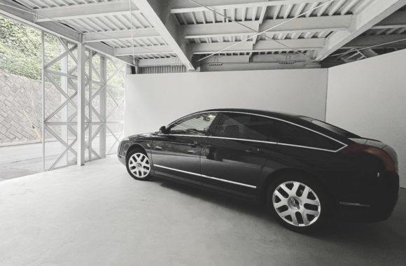 弊社のスタジオでは車輌撮影もできます。